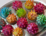 КОРОНАВИРУС можно съесть: В таиландской кондитерской испекли пирожные в форме коронавируса