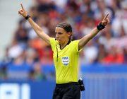Главным судьёй игры Лиги чемпионов впервые назначена женщина